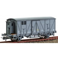 0702-F Vagón cerrado con garita baja.